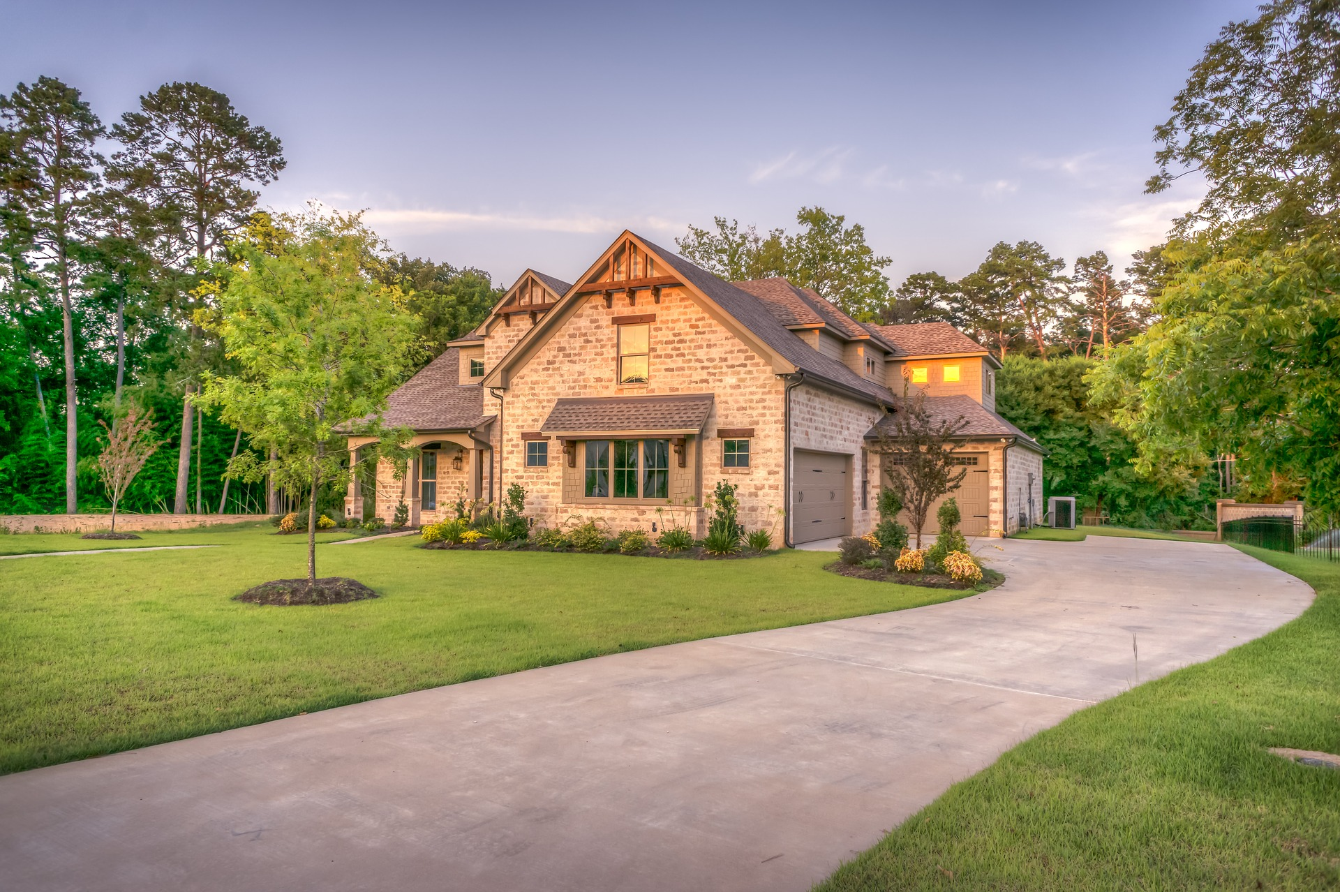 Cleaning tips for instantly improving curb appeal