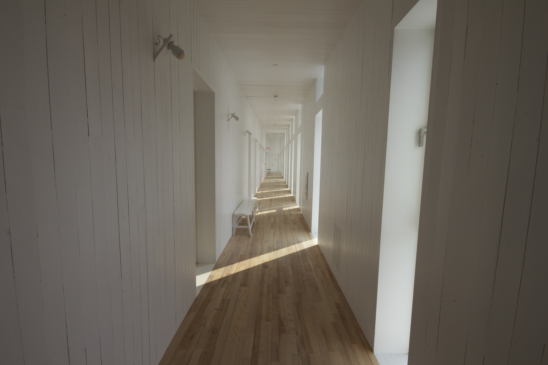 Painting Techniques that Bring a Hallway to Life